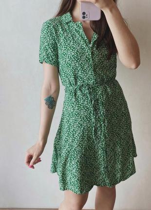 Платье из вискозы на пуговках