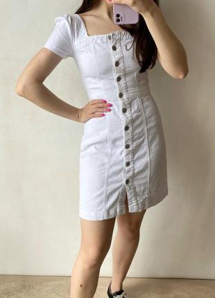 Плотное джинсовое платье