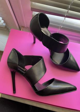 Очень красивые кожаные туфли