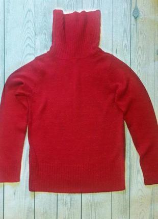 Красный свитер с горлом - хомутом