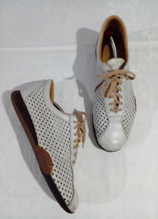 Туфли с перфорацией на лето кожа 45