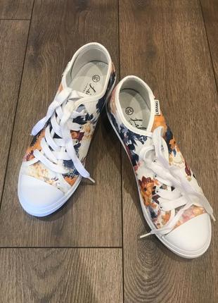 Білі кеди кросовкі туфлі/ белые кеды в цветочный принт
