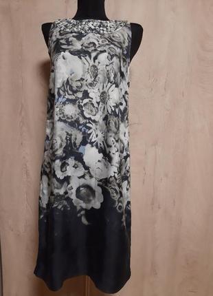 Шелковое платье италия  с растительным принтом