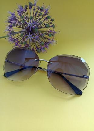 Сонцезахисні окуляри. очки. аксесуари.9 фото