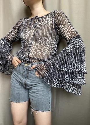 Шифоновая блуза с расклешенным рукавом, рукав волан, легкая летняя рубашка
