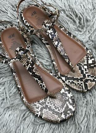 Босонодки сандали въеткамки , новые, размер 40 стелька 26 см