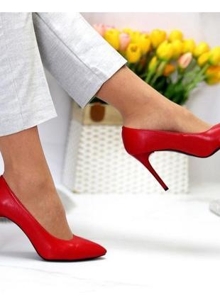Туфли на каблуке красные натуральная кожа