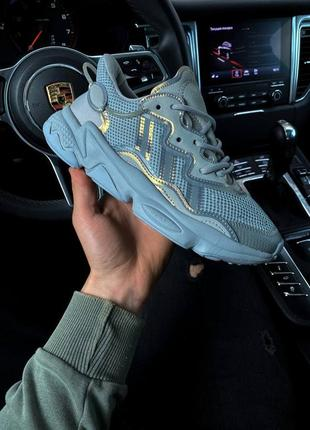 Женские кроссовки adidas ozweego grey