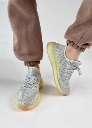 Кроссовки adidas boost 350 v2