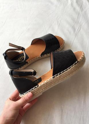 Босоножки сандалии на плетеной платформе 💐