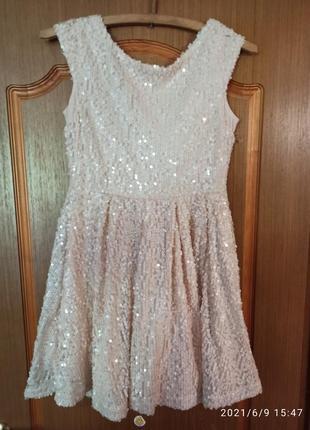 Платье в пайетках jennyfer размер м.