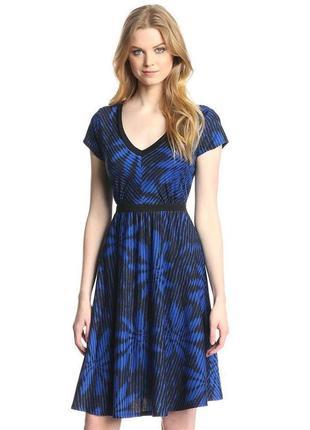 Трикотажное платье с короткими рукавами платье-футболка а-силуэт с пояском м и l