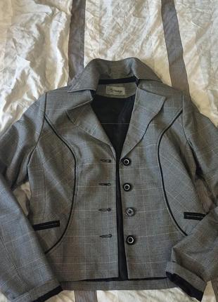 Костюм женский бриджи пиджак