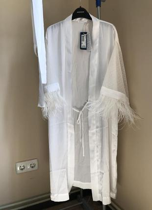 Дуже красивий шовковий халат yamamay