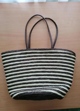 Соломяная сумка в полоску