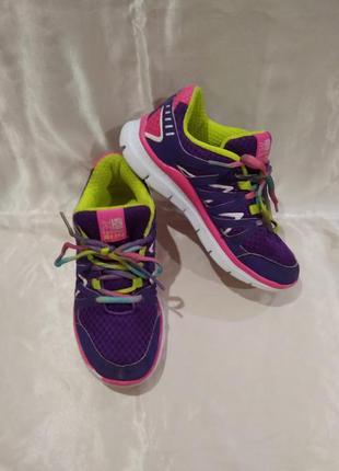 Яркие легкие кроссовки karrimor duma run