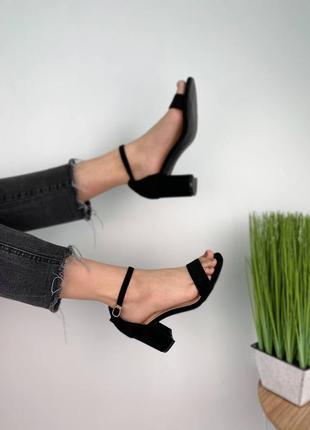 Стильный чёрные замшевые босоножки на каблуках 36/40 размер