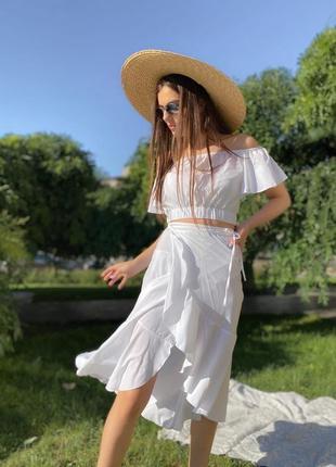 Костюм юбка и топ со спущенными плечами белый1 фото