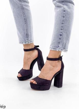 Темно лиловые фиолетовые босоножки на высоком каблуке4 фото