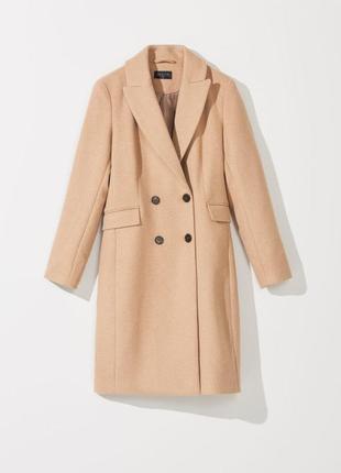 Роскошное пальто в цвете сливочной карамели в составе шерсть