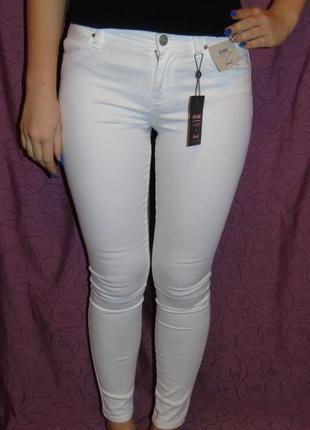 Новые стрейчевые джинсы