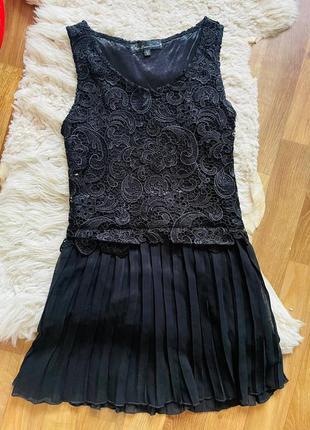 Черное платье с кружевом нарядное вечернее коктельное размер s