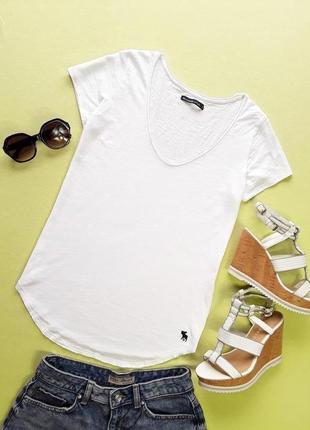 Белая футболочка от  anercrombie and fitch