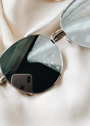 Стильные зеркальные очки в серебристом цвете3 фото