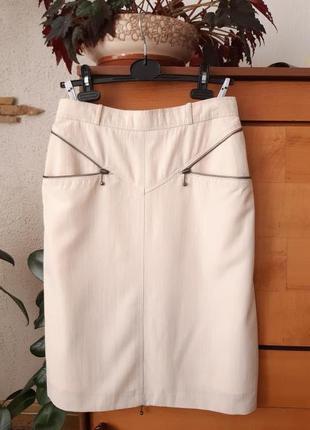 Стильная юбка-карандаш с интересными деталями
