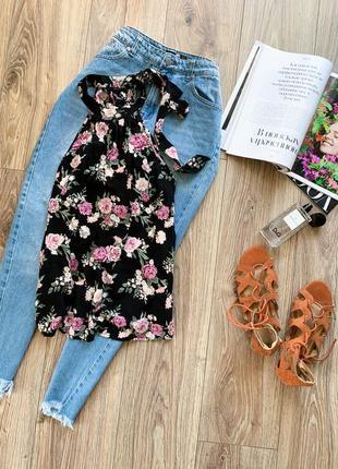 Комфортна до тіла квіткова блуза