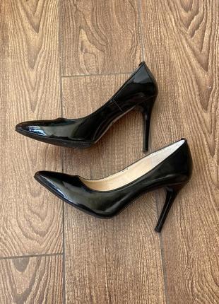 Лодочки туфлі туфли кожаные шкіряні лодочки