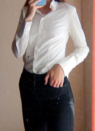 50.7 базовая белая рубашка хлопок с нашивкой