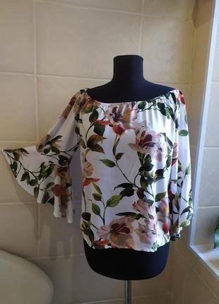 Блуза с рукавом в цветочный принт