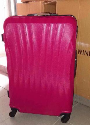 Ударопрочный пластиковый чемодан оригинал, польша,доставка