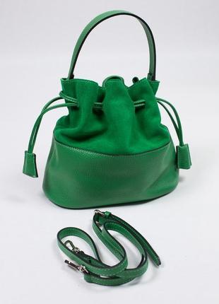 Красивая сумка-мешок из кожи с замшевой вставкой.2 фото