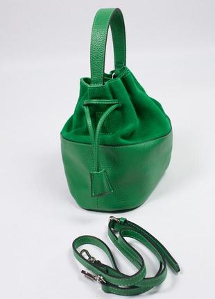 Красивая сумка-мешок из кожи с замшевой вставкой.4 фото