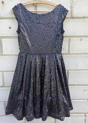 Платье черное,в пайетках jennyfer размер s