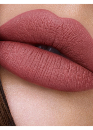 Матовая губная помада тон show girl hollywood lips