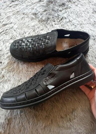 Босоніжки, босоножки, туфлі, сандалії