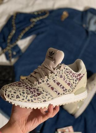 Классные леопардовые кроссовки адидас
