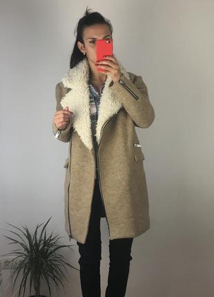 Отличное стильное пальто от pull&bear