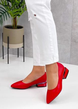 Яркие красные женские туфли  leona4 фото