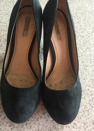 Фирменные замшевые туфли37,5/ brend geox