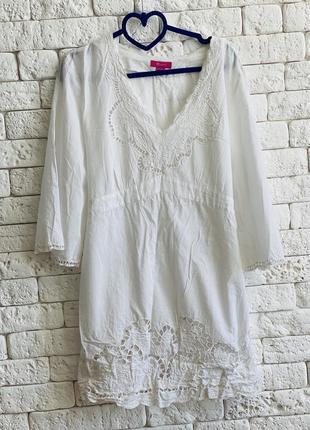 Белое хлопковое платье с ришелье