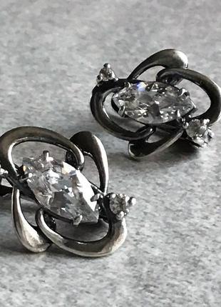 Серьги серебро 925,б/у,проба стоит, вес 1,57 гр.