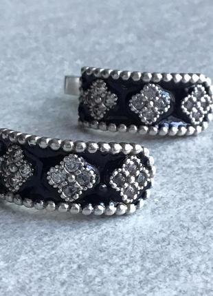 Серьги серебро 925,б/у,проба стоит, вес 4,72 г. камни цирконы, чёрная эмаль