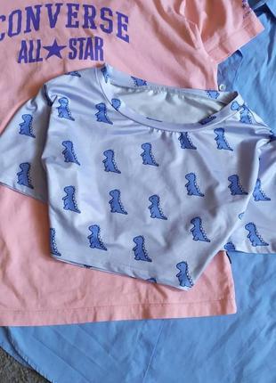 Милая укороченная футболка кроп кропп топ динозаврики дино