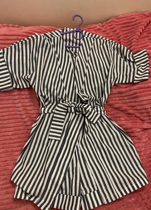 Модный летний костюм в полоску l из льна