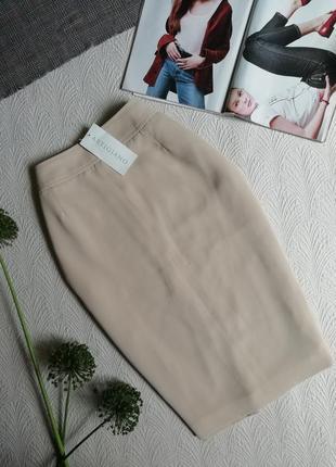 Новая классическая юбка миди