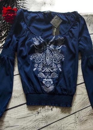 Красивая блуза с вышивкой jane norman